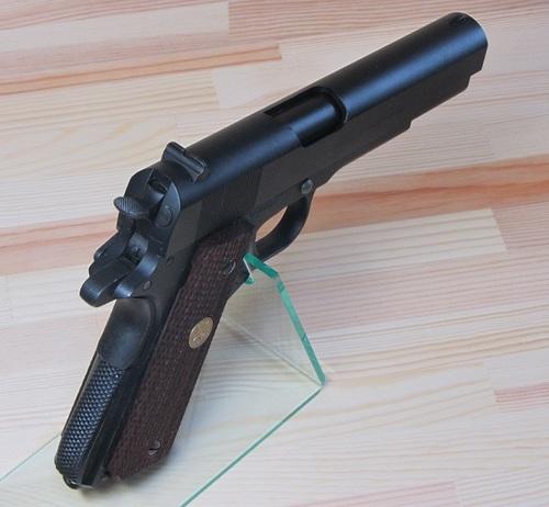M1911A1_05.jpg