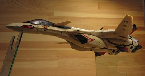 VF-19AD_07.jpg