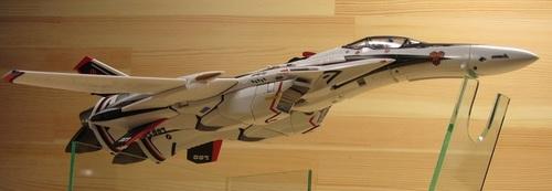VF-25F_04.jpg